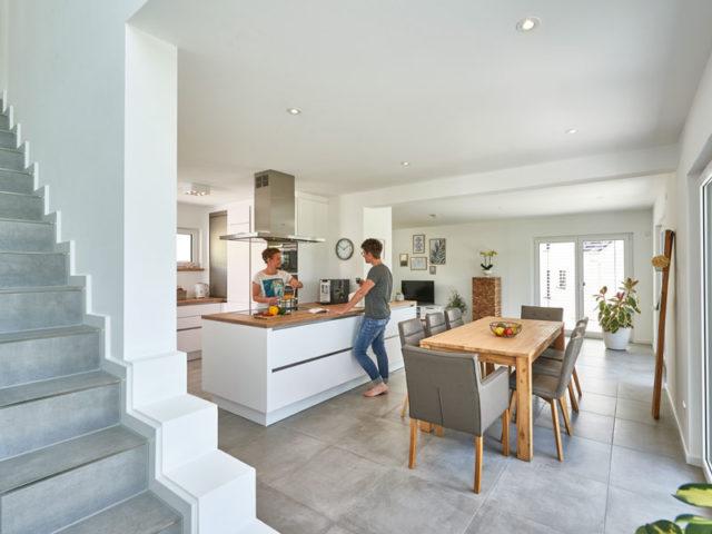 Fertighaus Weiss Irtenkauf Küche Treppe