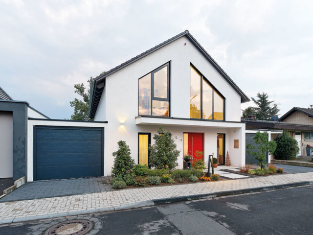 Landhaus 165 Luxhaus Aussenansicht Strasse
