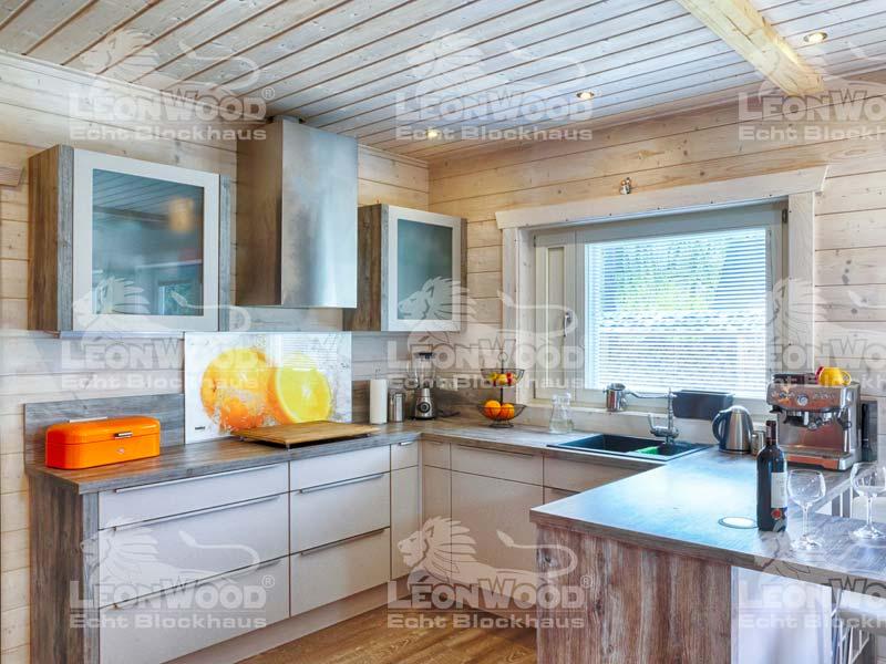 Blockhaus Victoria von Leonwood. Offene Küche zum Kochen
