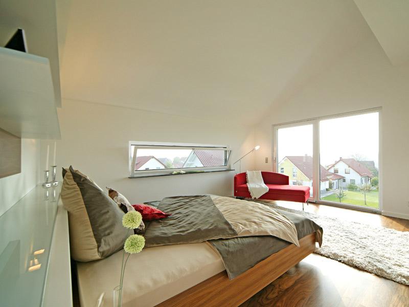 Schlafzimmer im Musterhaus Style von Fertighaus Weiss