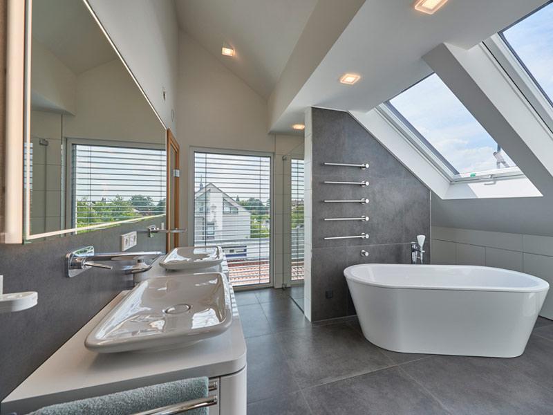 Badewanne im Haus Schulz von Fertighaus Weiss