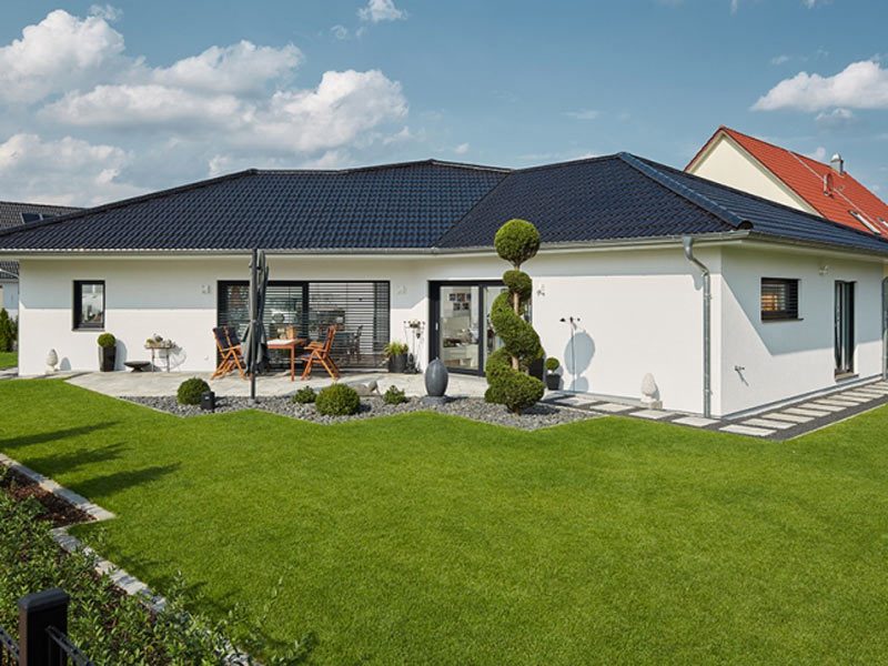 luxhaus-bungalow-walmdach-190-Terrasse