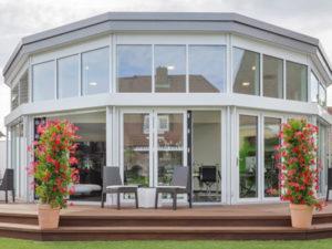 Luxhaus Flachdach 153 aussen Terrasse