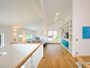 Lounge im Musterhaus Ulm von Fertighaus Weiss