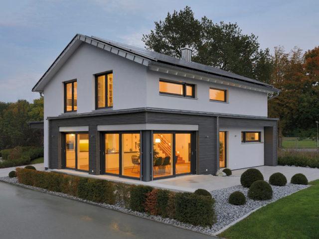 Musterhaus Ulm von Fertighaus Weiss außen