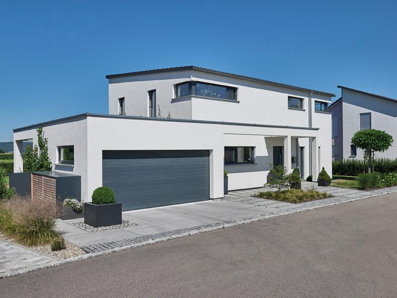 Haus Mahl von Fertighaus Weiss. Straßenansicht