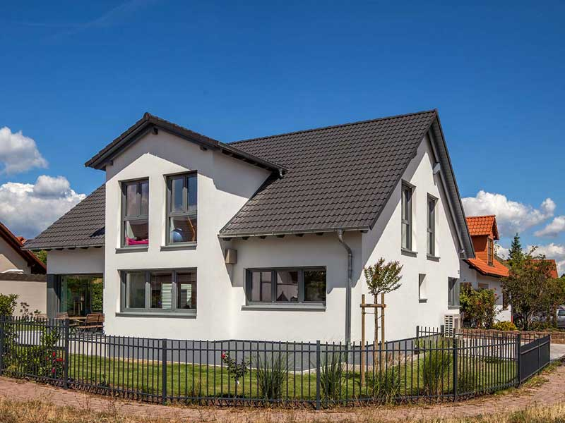 Musterhaus-Cronenberg von Baumeister-Haus-Außenansicht