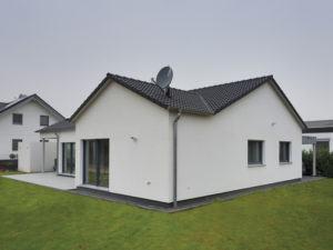 Haus Pauli von Fertighaus Weiss von außen