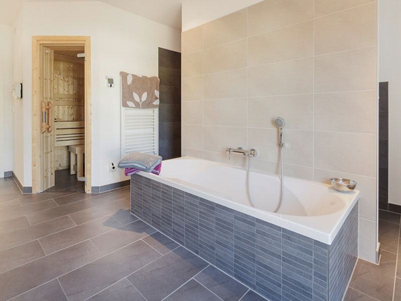 Walmdach 168 von Luxhaus - Badezimmer