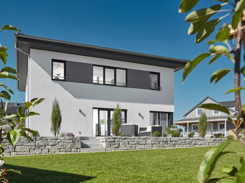 Walmdach 187 von Luxhaus - Außenansicht_Garten