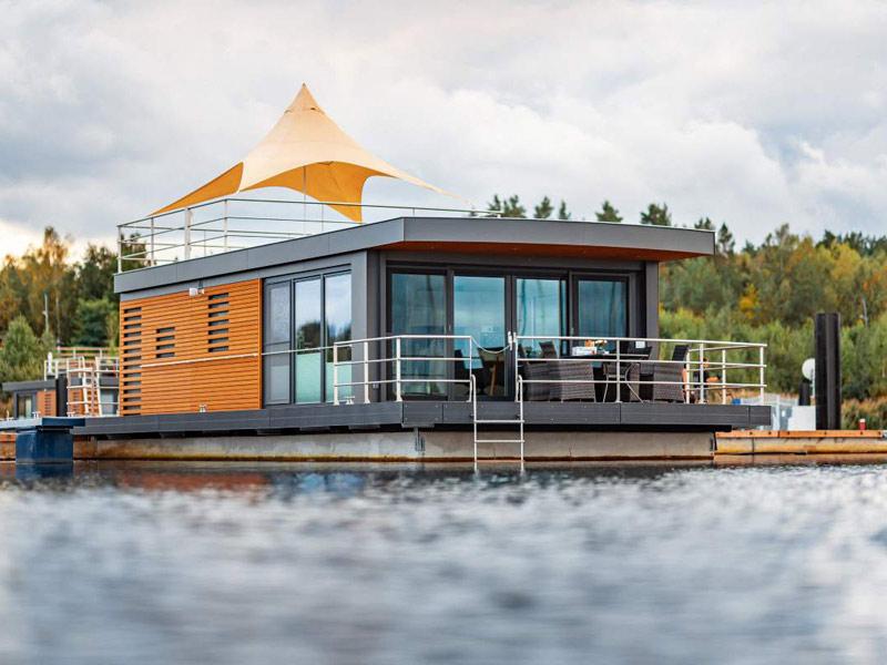Hausboot auf dem Wasser