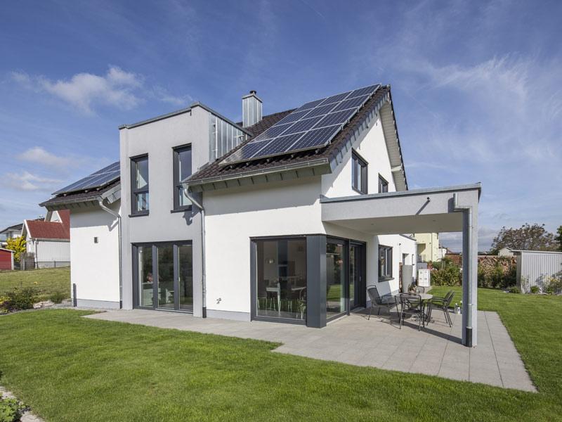 web_Baumeisterhaus-Daume_aussen_Terrasse