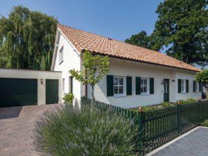 Haus Voss von Baumeister-Haus. Ansicht Eingang