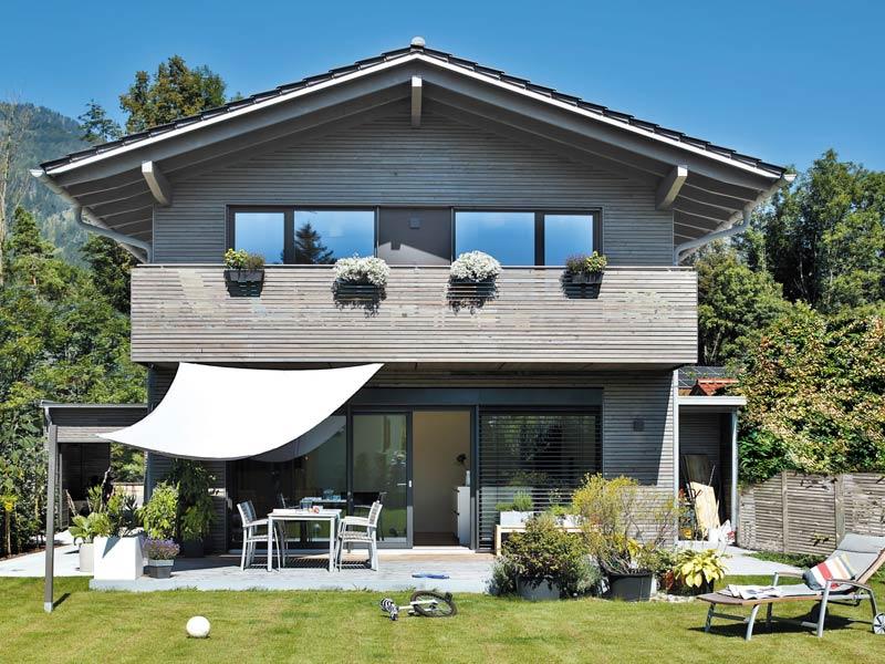 Vitalhaus Oberaudorf von Regnauer Holzbau. Terrasse