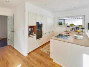 Landhaus 200 von Luxhaus - Küche