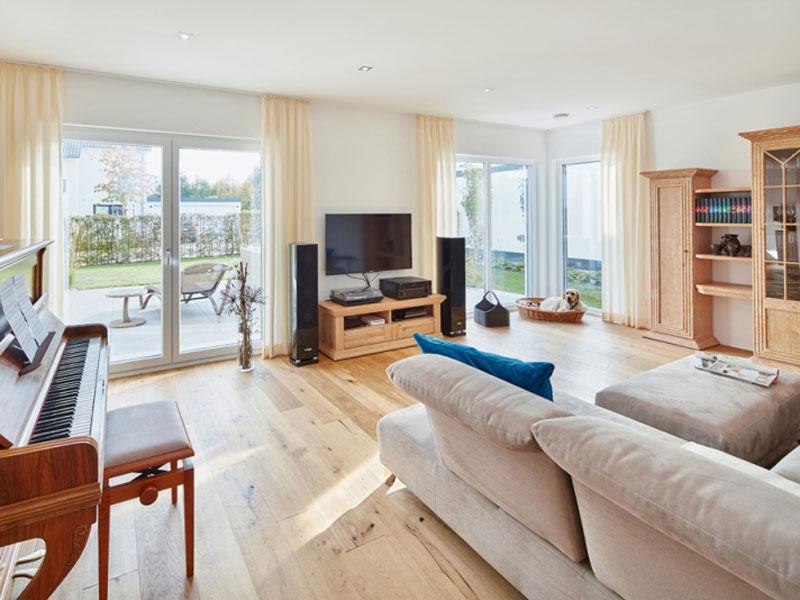 Satteldach Landhaus 200 von Luxhaus - Wohnen
