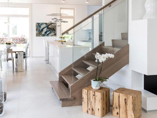 Box Wien von Griffner Haus, Wohnbereich, Treppe