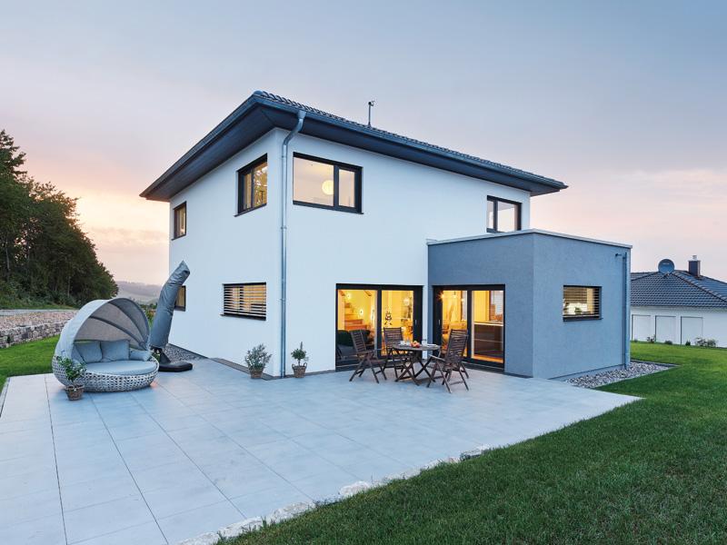 Luxhaus Walmdach 160 Terrasse
