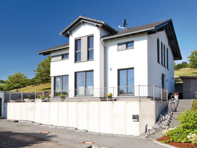 Kundenhaus Boehle von Bien-Zenker Strassenseite