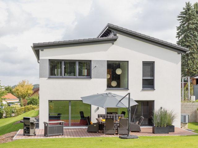 Haus_Arnold_von Buedenbender_Terrasse