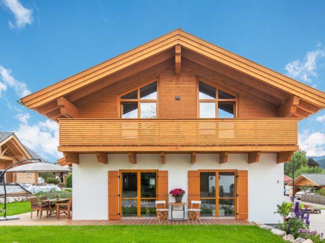 Architektenhaus Grubsee von Isartaler Holzhaus, Terrasse, Balkon