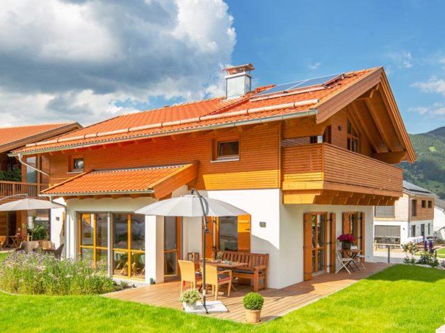 Architektenhaus Grubsee von Isartaler Holzhaus, Garten, Terrasse