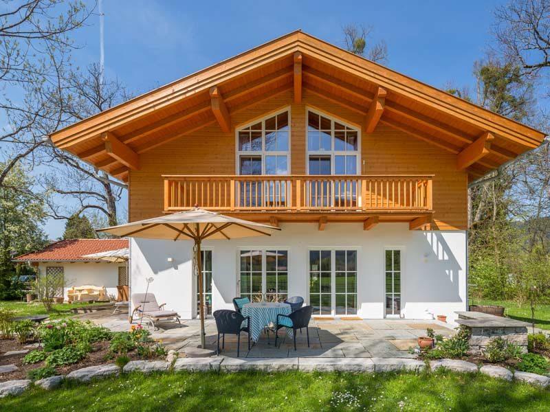 Architektenhaus Ahornsee von Isartaler Holzhaus, Terrasse, Balkon