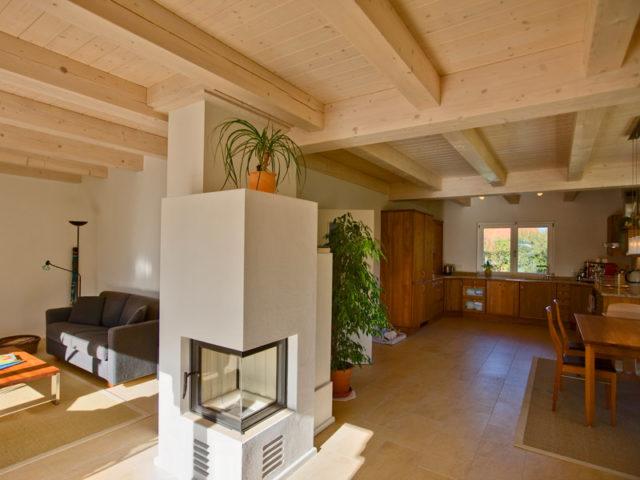 Architektenhaus Gleißental von Isartaler Holzhaus, Wohnraum, Essbereich, Küche