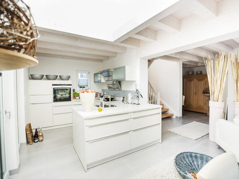 Architektenhaus Kochelsee von Isartaler Holzhaus, Küche